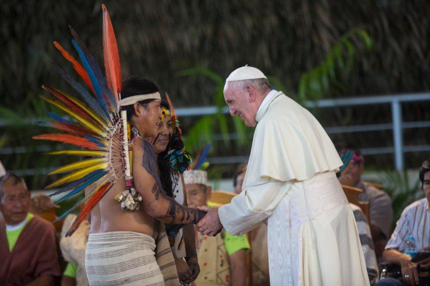Le pape reçoit un accueil chaleureux au Pérou