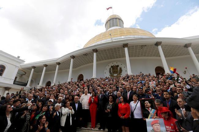 Une élection d'ici la fin avril au Venezuela