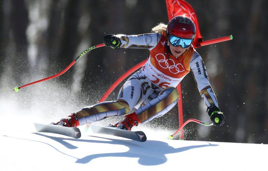 Ski alpin: Une ancienne snowboardeuse cause la surprise dans le super-G