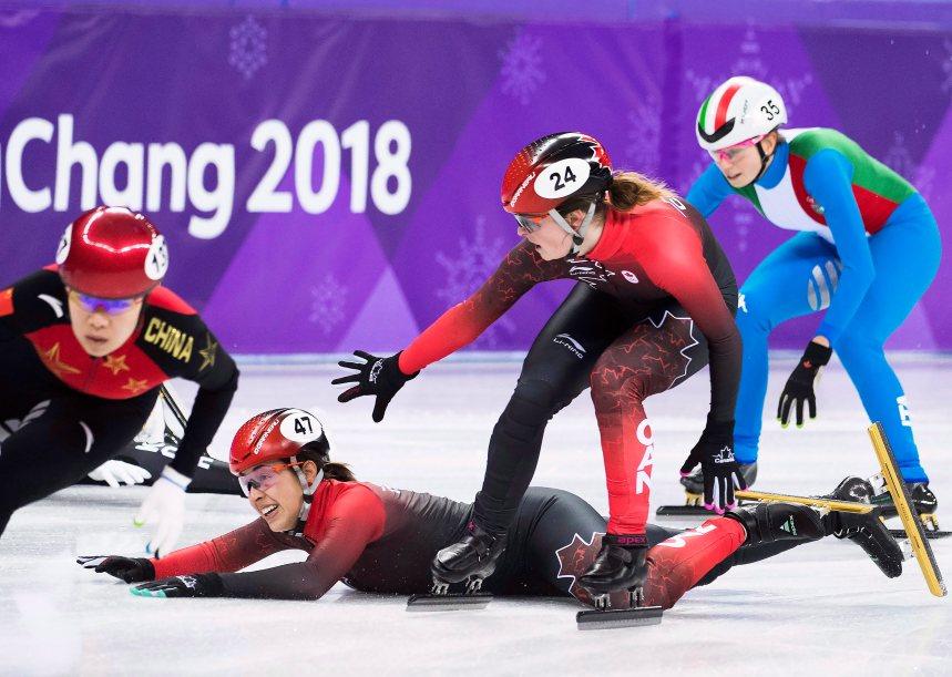 Le relais féminin disqualifié en courte piste