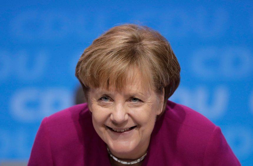 Le parti de Merkel se range derrière la coalition