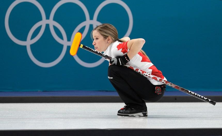 Le Canada lance ses JO avec une défaite en curling