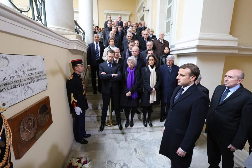 Emmanuel Macron entame une visite en Corse