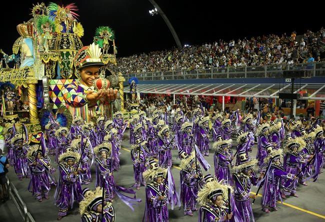 Carnaval de Rio: faire la fête pour oublier 2017