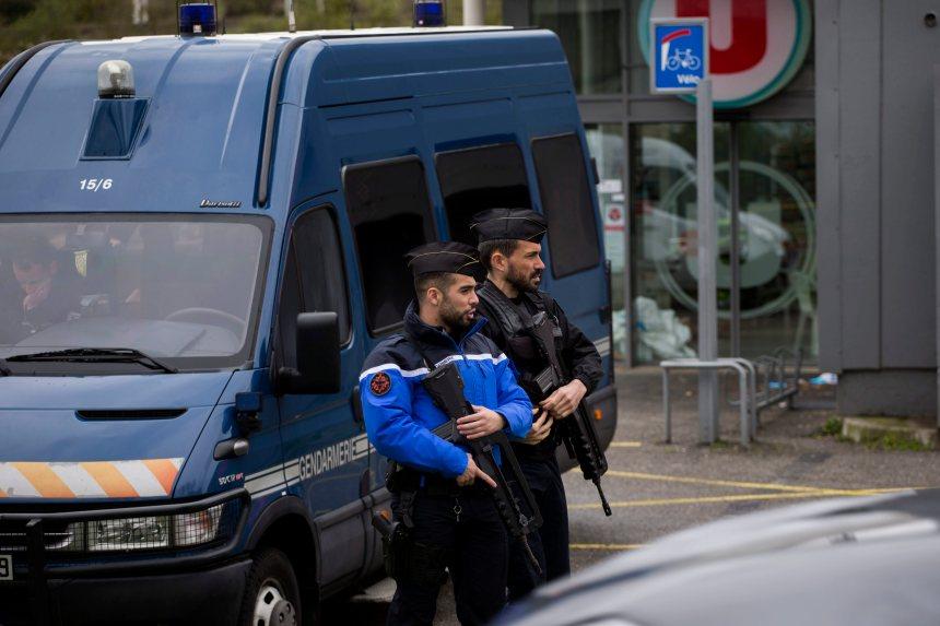 France: la copine du suspect s'était radicalisée