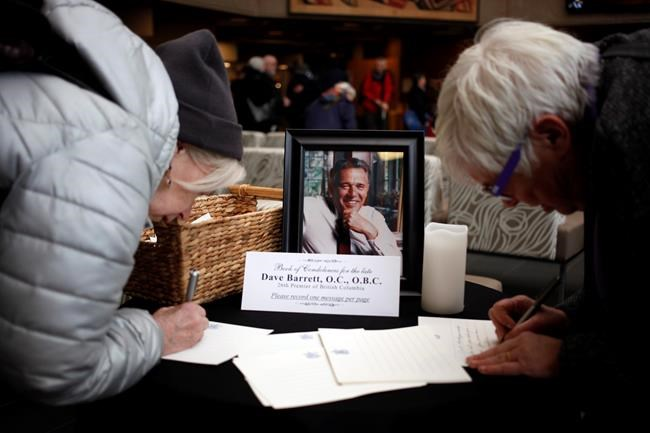 C-B: John Horgan rend hommage à Dave Barrett