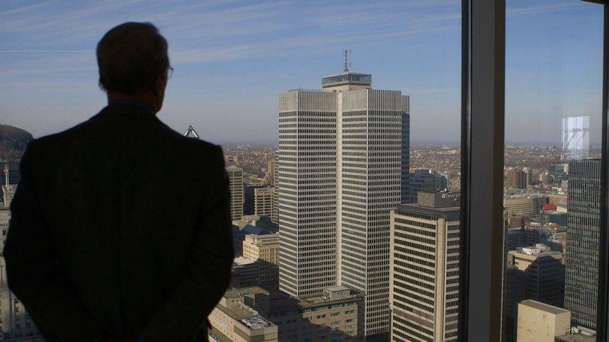 Main basse sur la ville: À l'ombre des condominiums de Montréal