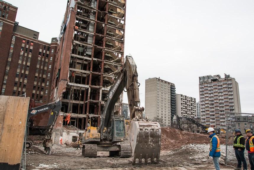 Hôpital de Montréal pour enfants: un des promoteurs menace de poursuivre la Ville