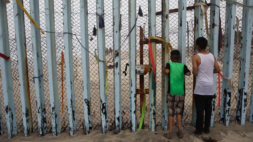 Un juge bloque le projet de Trump sur le mur frontalier