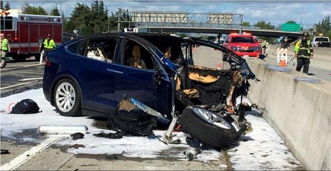 Accident mortel: la voiture Tesla était sur l'autopilote