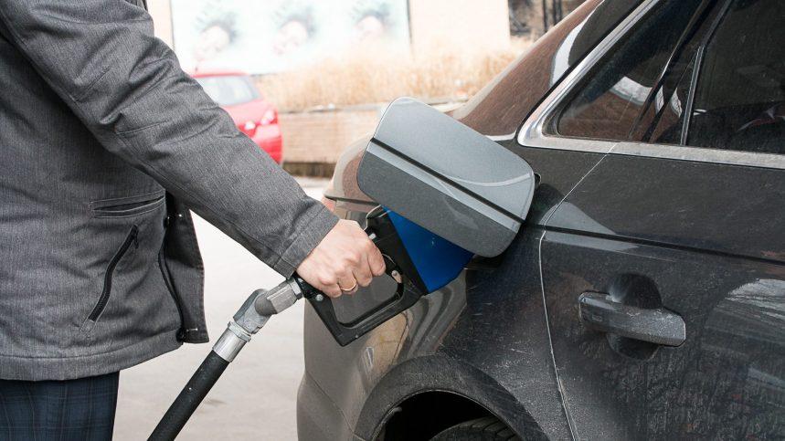 Le prix de l'essence grimpe à Montréal