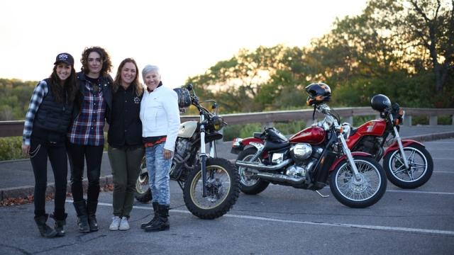 Filles de moto, une histoire différente sur Unis