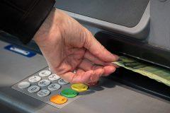 Relance économique: appel à la nationalisation de banques privées