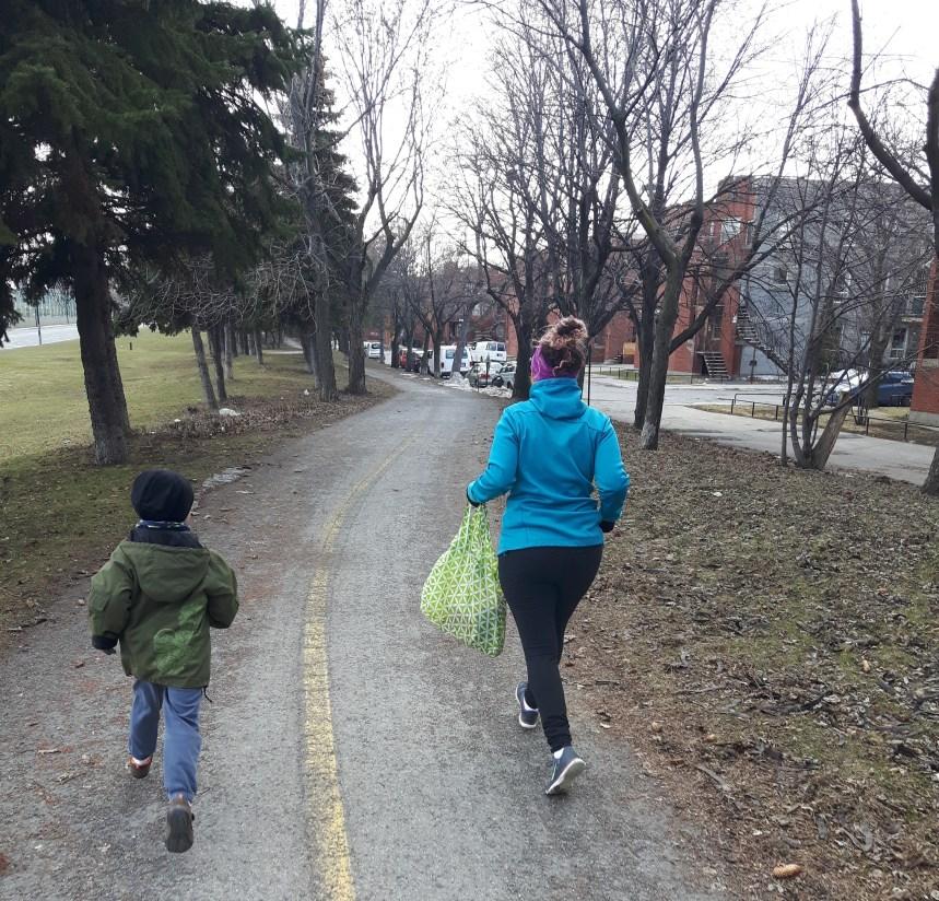 Plogging: Une course aux déchets dans le Mile End