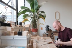 Retour aux sources pour le créateur de mobilier Loïc Bard