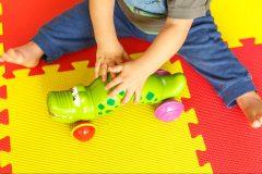 Des opposants réclament un recul de Québec pour la maternelle à 4 ans