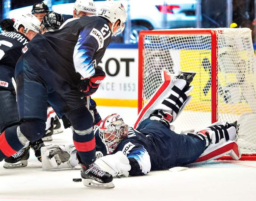 Les États-Unis battent le Canada 5-4 au Mondial