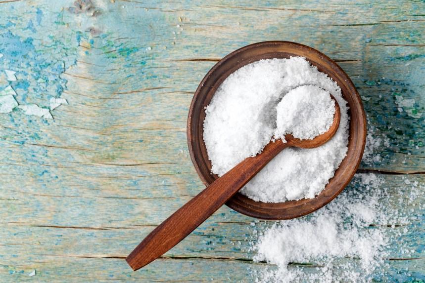Le sel de mer est-il plus santé que le sel de table?