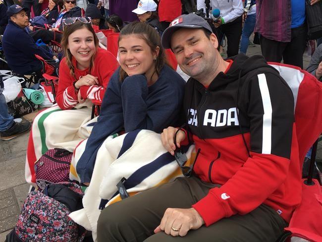 Mariage royal: des Canadiens célèbrent à Windsor