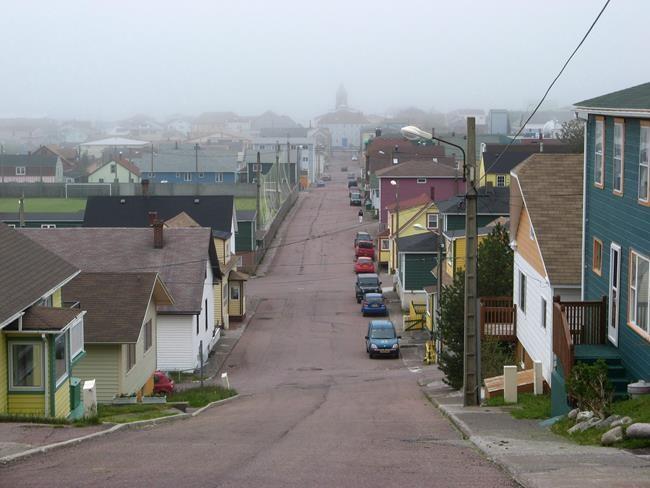 A Saint Pierre Et Miquelon Avec Sa Voiture Journal Metro