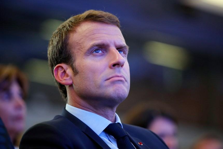 Gilets jaunes: Macron envisage un référendum à l'issue du grand débat