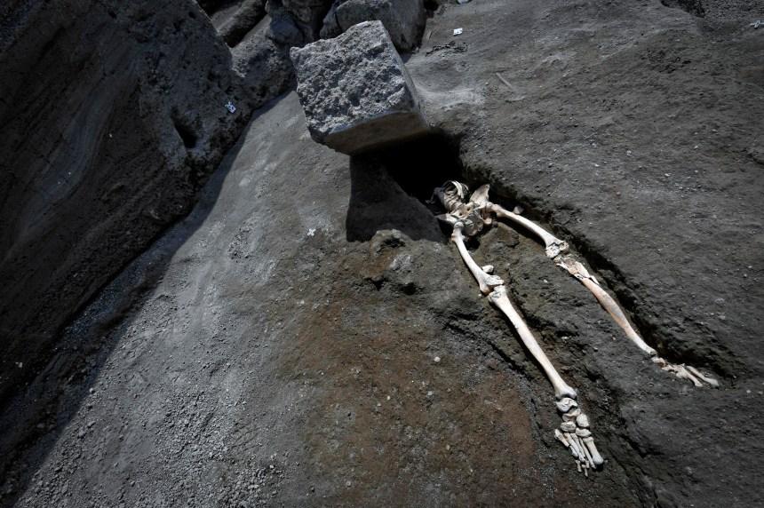 Un nouveau squelette découvert à Pompéi
