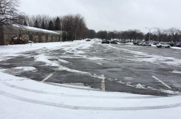 Un anneau de glace au parc Angrignon en 2019
