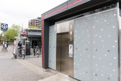 Les toilettes autonettoyantes de la Ville de Montréal sont source de discrimination