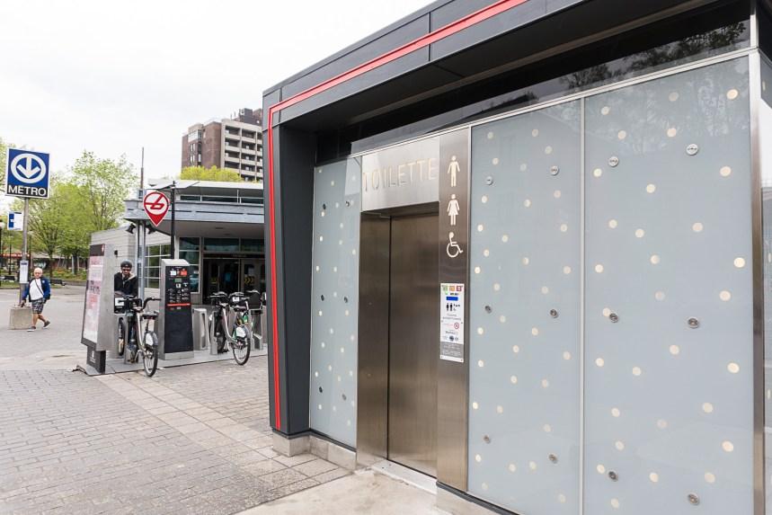 Une première toilette autonettoyante en fonction à Montréal