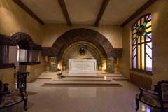 Première vente d'objets des Soeurs de Sainte-Anne dans leur maison-mère