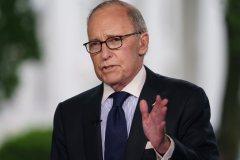 Un conseiller de Trump accuse Trudeau de traîtrise