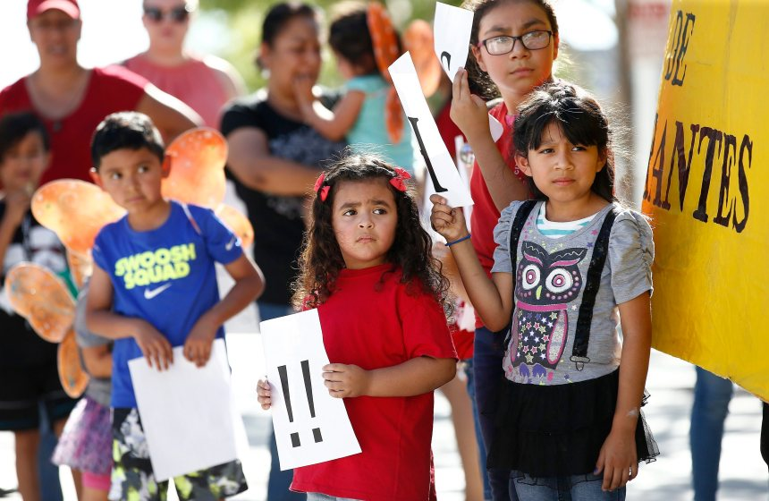 Enfants de migrants: Ottawa durcit le ton envers Washington