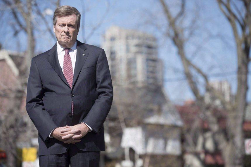 Violence: 200 policiers de plus la nuit à Toronto