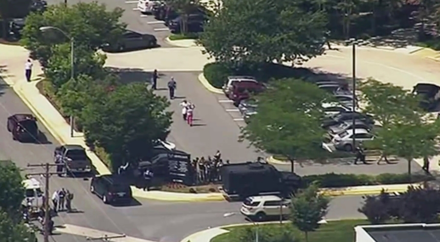 Cinq morts dans une fusillade dans un journal près de Washington
