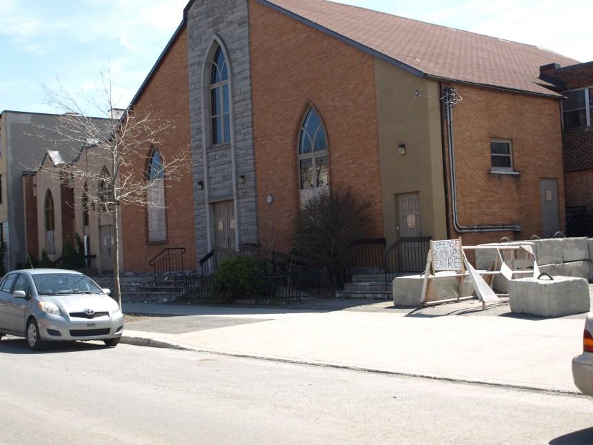 Plus près de la démolition d'une église de Rosemont