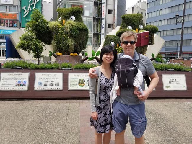 Cinq familles canadiennes coincées au Japon