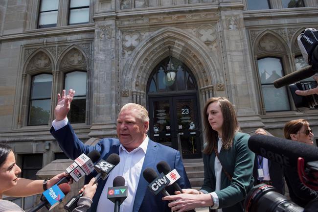 Pollution: Québec surveille Doug Ford de près