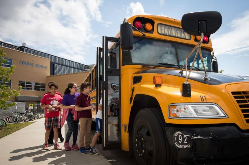 Autobus scolaires: un comité fédéral ne recommande pas la ceinture obligatoire