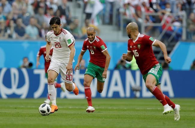 L'Iran profite d'un cadeau pour l'emporter 1-0