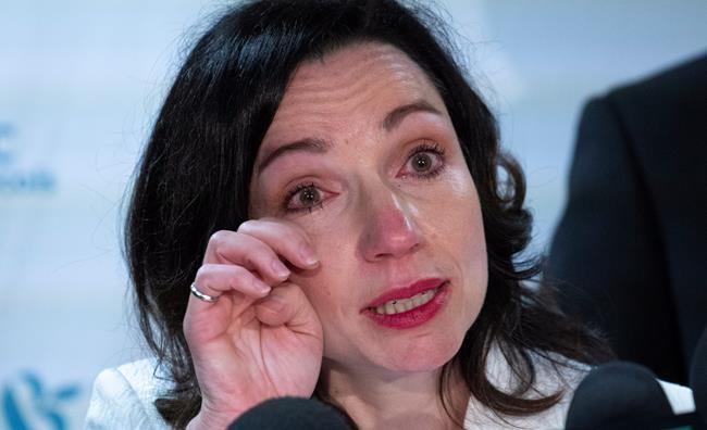 Martine Ouellet démissionne et se vide le coeur