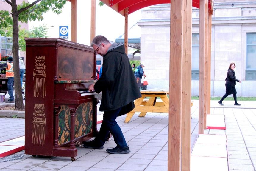 Un premier piano public dans Parc-Extension