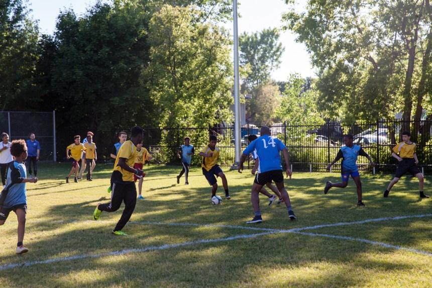 Place au soccer au parc Louis-Cyr