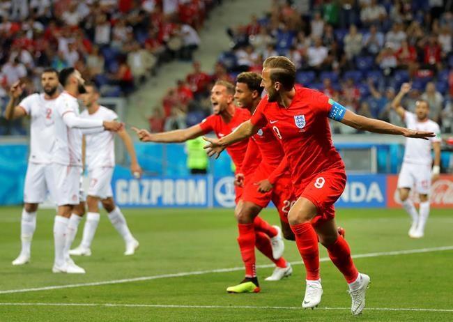 Kane permet aux Anglais de gagner 2-1