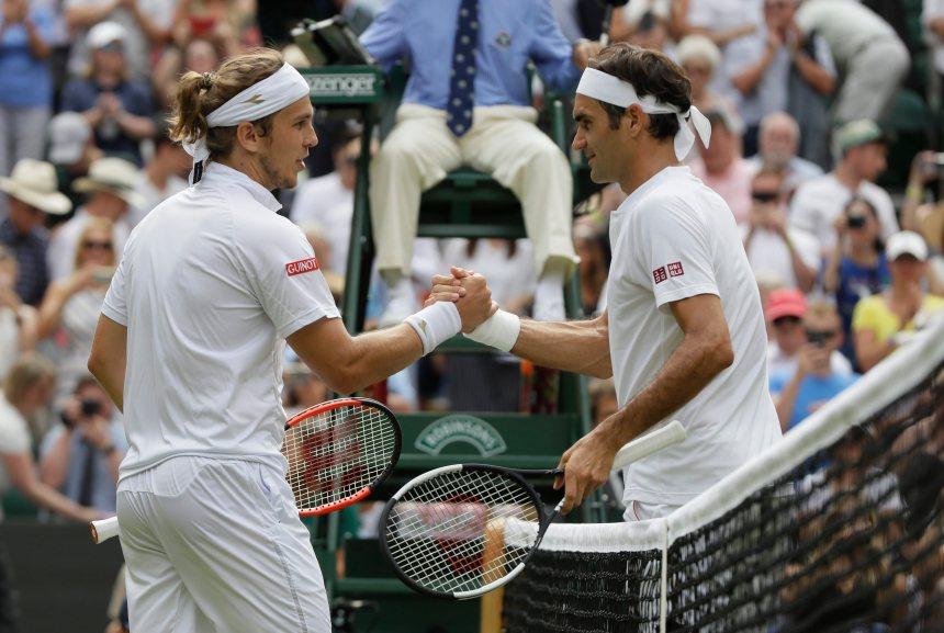 Wimbledon: Roger Federer rejoint le 3e tour sans difficulté