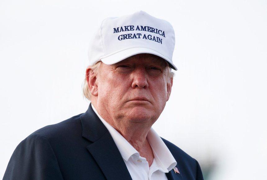 Les tarifs douaniers «fonctionnent bien mieux» que prévu, selon Trump