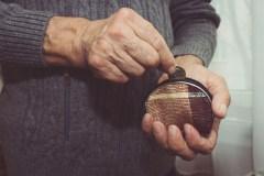 Les aînés reçoivent une pension plus élevée depuis le 1er juillet