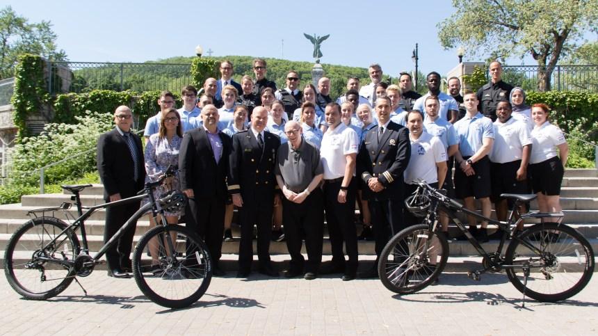 Des patrouilleurs à vélo dans Le Plateau-Mont-Royal