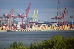La relance économique passe par les exportations, selon la CAQ