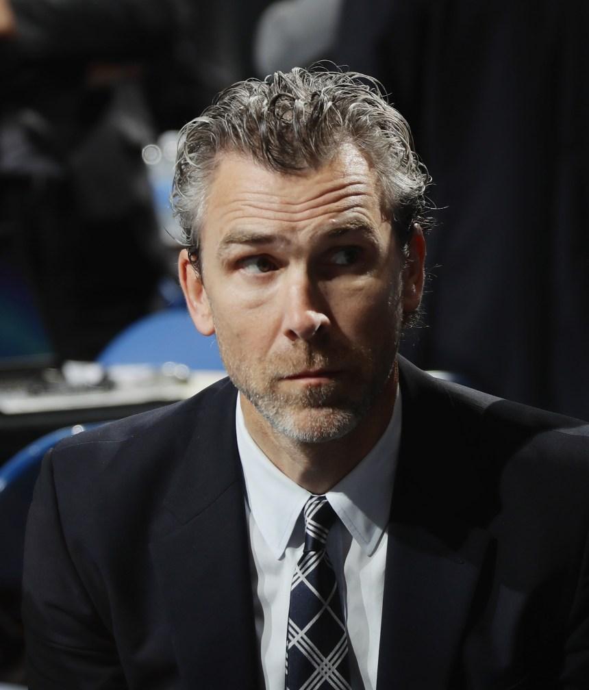 Linden quitte la présidence des Canucks