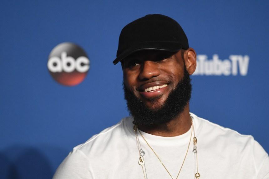 LeBron James signe officiellement avec les Lakers
